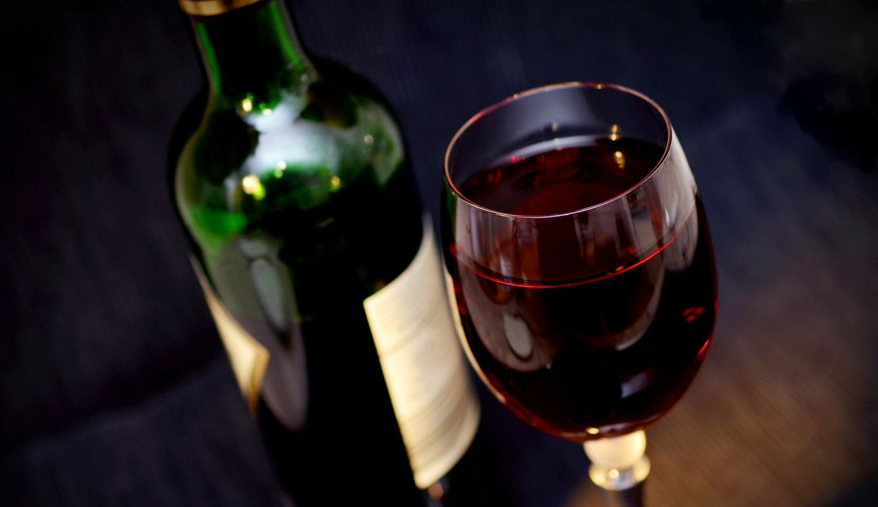 Coronavirus: Por qué no deberías beber alcohol durante el confinamiento