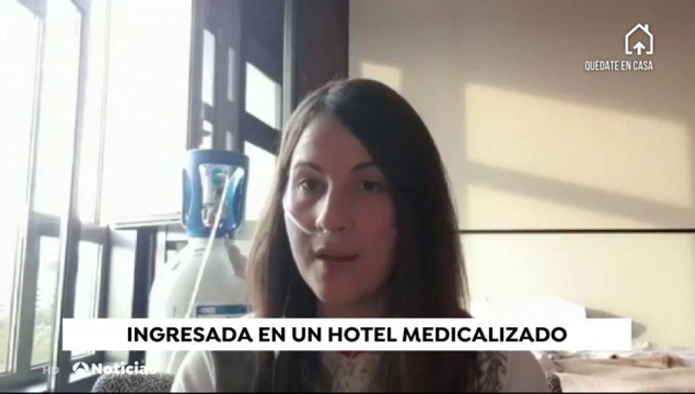 """Mireya Ibáñez, paciente de COVID-19 en un hotel medicalizado: """"Es duro mantenerte cuerdo y no dejarte llevar ni por el pánico ni por el miedo"""""""