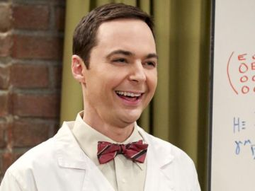 Jim Parsons como Sheldon Cooper en 'The Big Bang Theory'