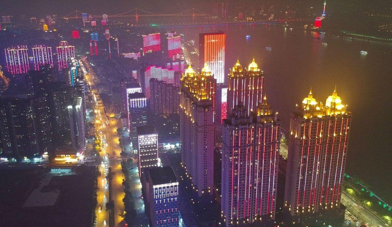 Luces en la ciudad de Wuhan.