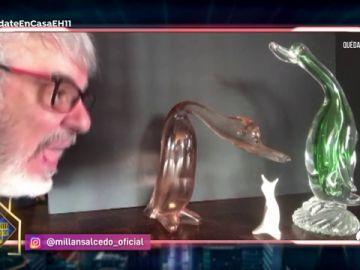 Millán Salcedo interactúa con sus figuritas en su nuevo y surrealista sketch
