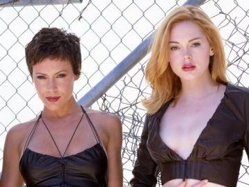 Alyssa Milano y Rose McGowan en 'Embrujadas'