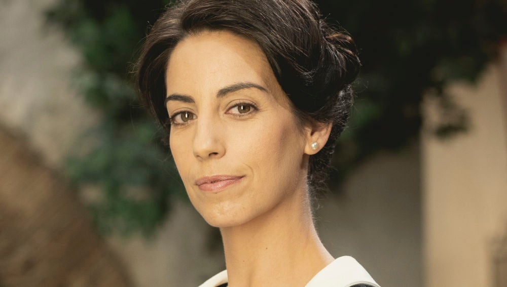 Almudena Cid es Manuela en 'El secreto de Puente Viejo'