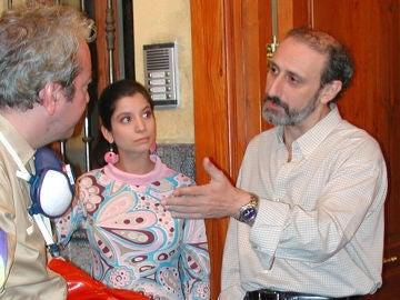 Sofía Nieto y José Luis Gil como Natalia y Juan Cuesta en 'Aquí no hay quien viva'