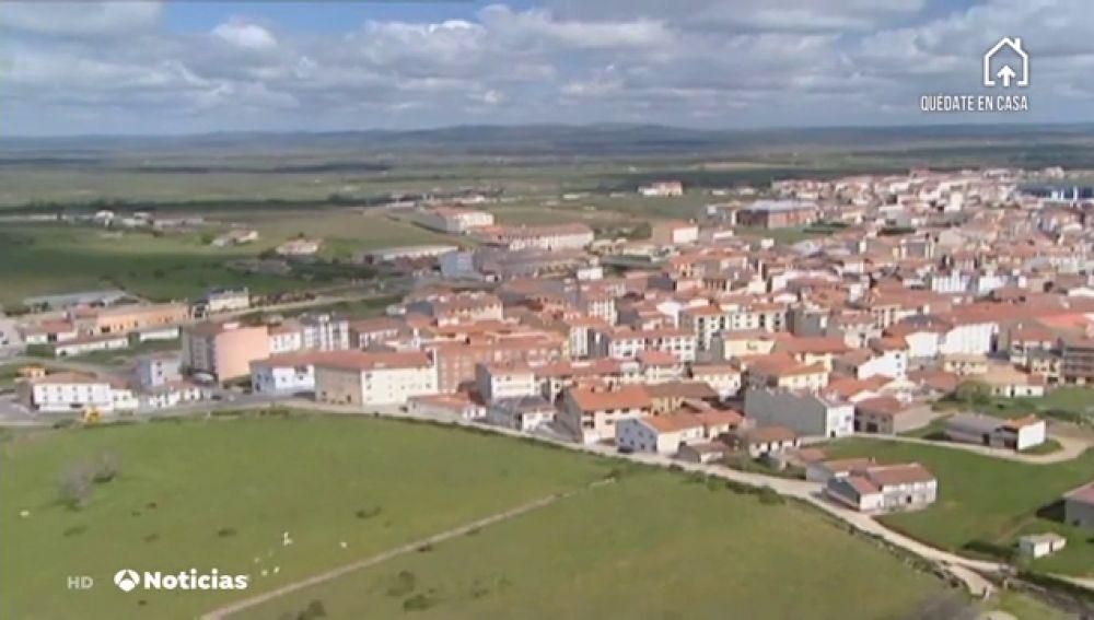 El alcalde de Guijuelo en Salamanca promete una ayuda de 1.000 euros al mes a los comerciantes afectados por el coronavirus