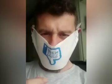Indignación entre los cántabros ante las 'mascarillas-servilleta' que ha repartido Miguel Ángel Revilla