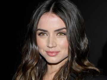 Ana de Armas en la Paris Fashion Week