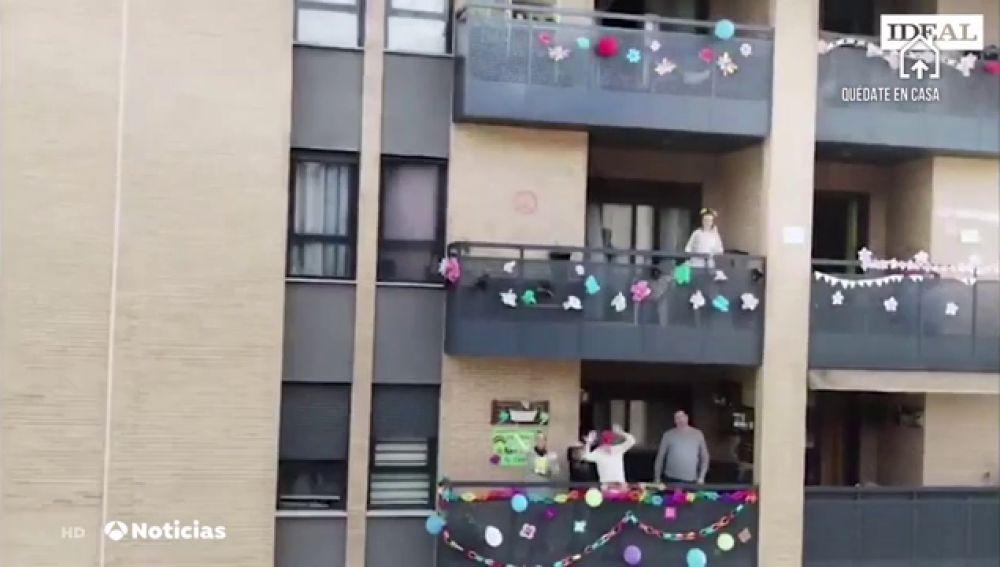 Una urbanización de Granada organiza macro fiestas temáticas contra el confinamiento por el coronavirus