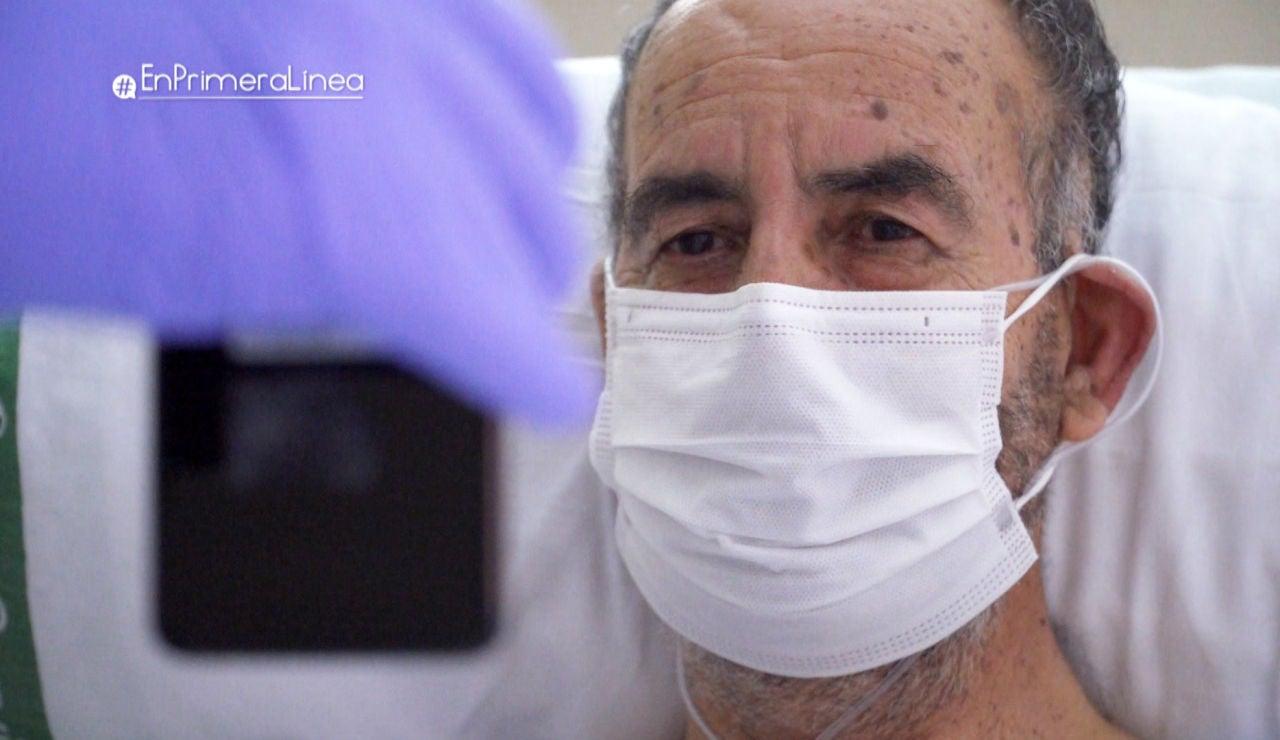 """Lágrimas desconsoladas de un paciente durante una videollamada con su mujer: """"Domingo, te quiero mucho, recuérdalo y recuerda que tienes que ser valiente"""""""