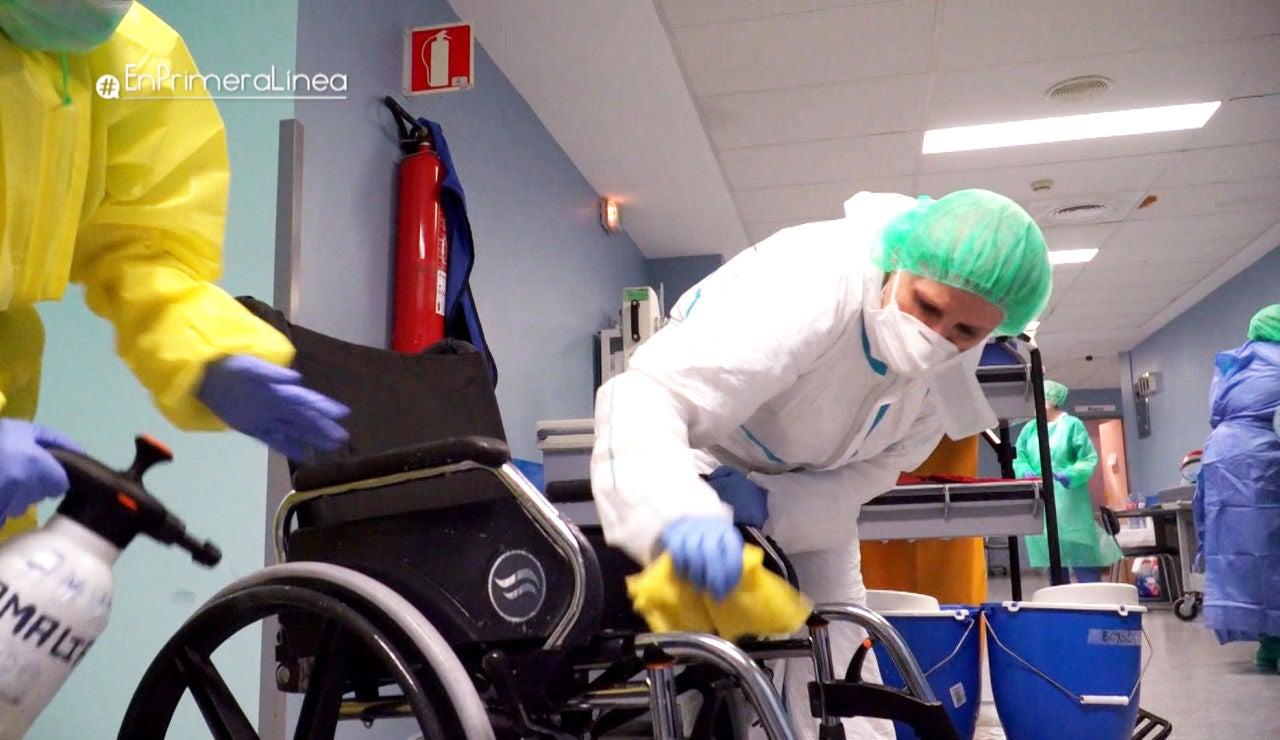 La excelente labor de las limpiadoras en la lucha contra la COVID-19