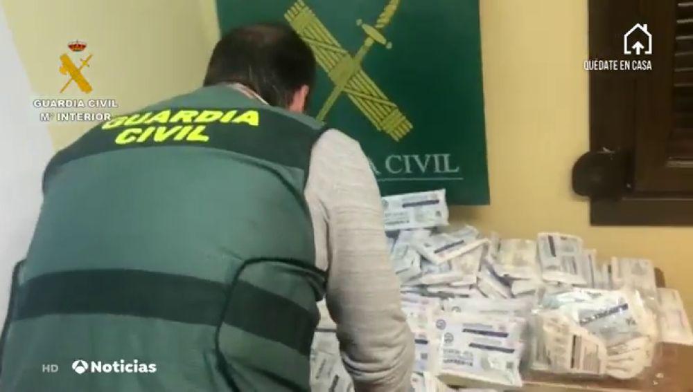 Detenidas dos personas por vender 260.000 mascarillas sin homologar
