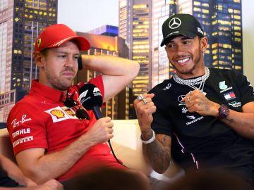 Sebastian Vettel, con Lewis Hamilton