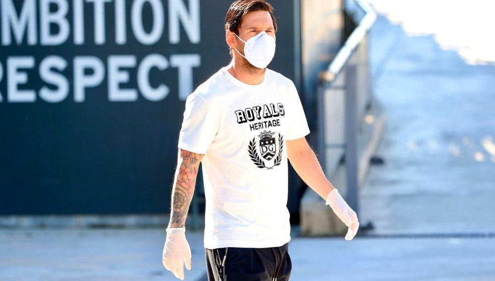 Messi, con mascarilla