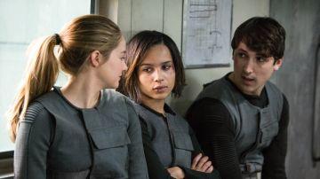 Shailene Woodley y Zoe Kravitz en 'Divergente'