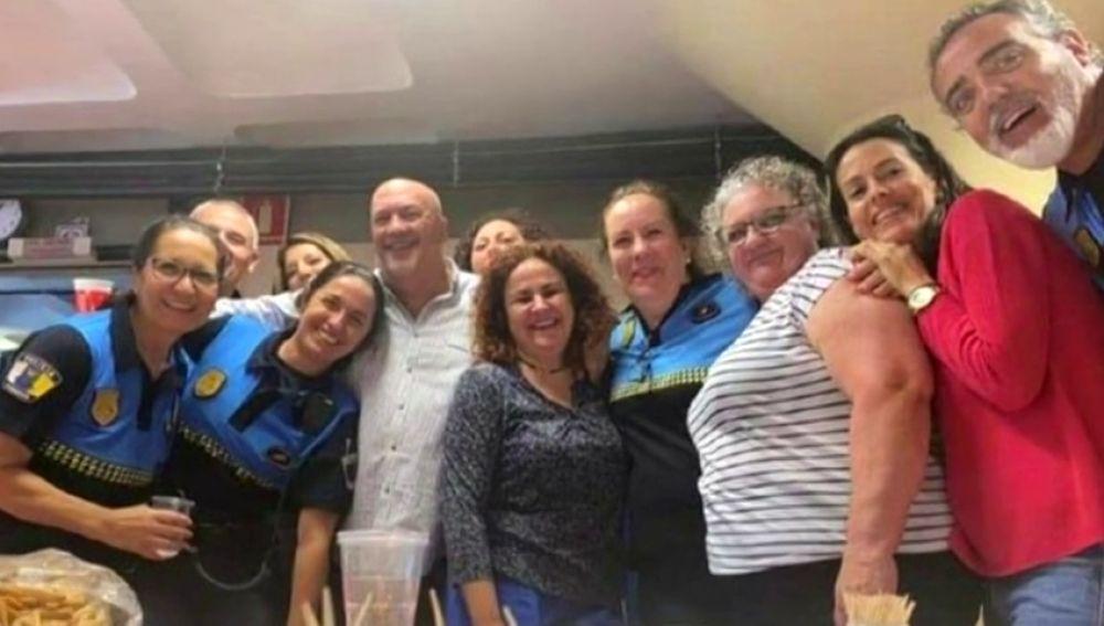 Gran fiesta en la sede de la Policía Local de Santa Cruz de Tenerife en plena crisis por coronavirus