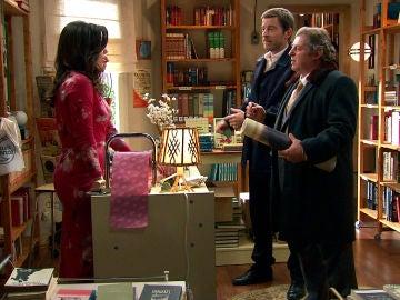 Sebas descubre el secreto de la librería de Luisita y Amelia