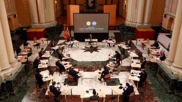 El presidente Lambán se ha reunido con los empresarios en la sede del Gobierno de Aragón