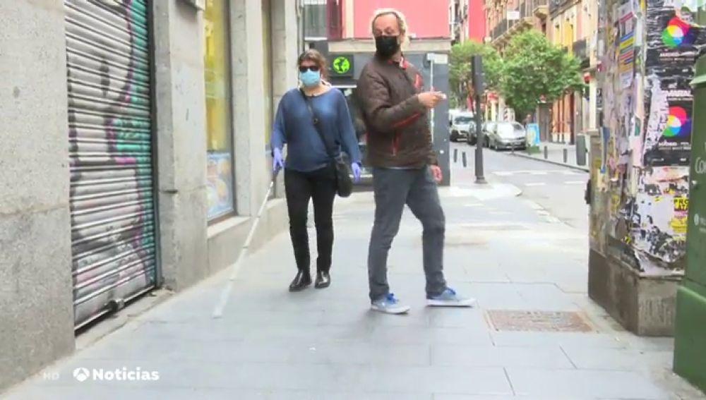 Las personas ciegas denuncian los problemas que tienen para mantener la distancia de seguridad
