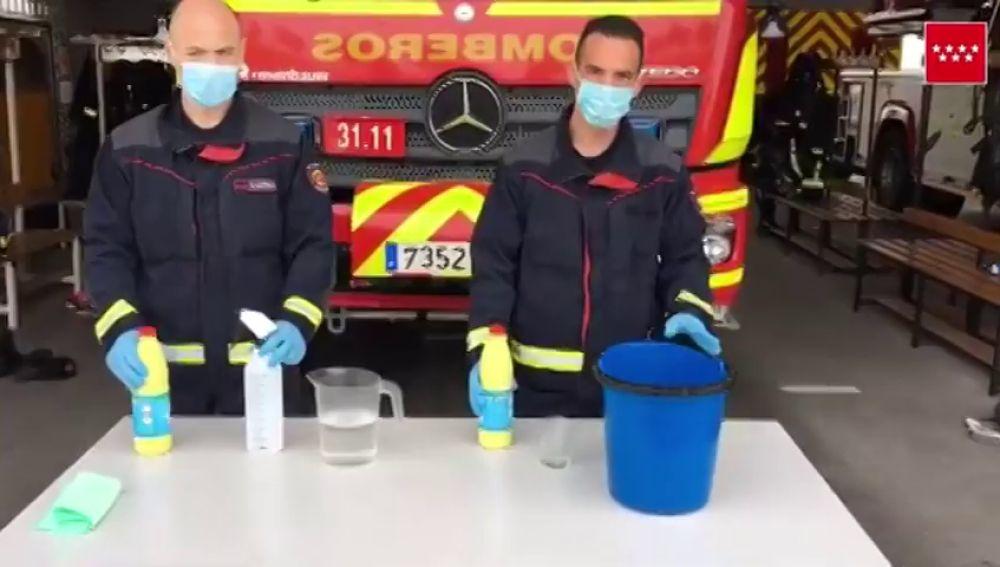 Los bomberos de Madrid explican cómo usar la lejía de forma segura para acabar con el coronavirus