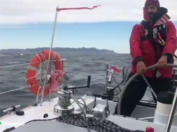 La odisea de una familia catalana confinada en un catamarán sin comida ni combustible durante la crisis coronavirus