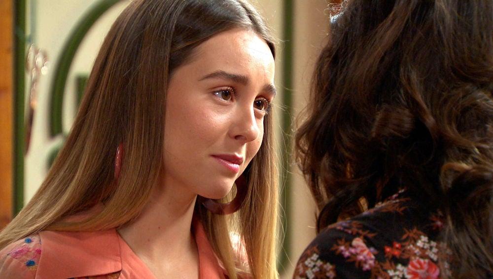"""Luisita se lanza a besar a Amelia: """"Cuando estoy cerca de ti se me para la respiración"""""""