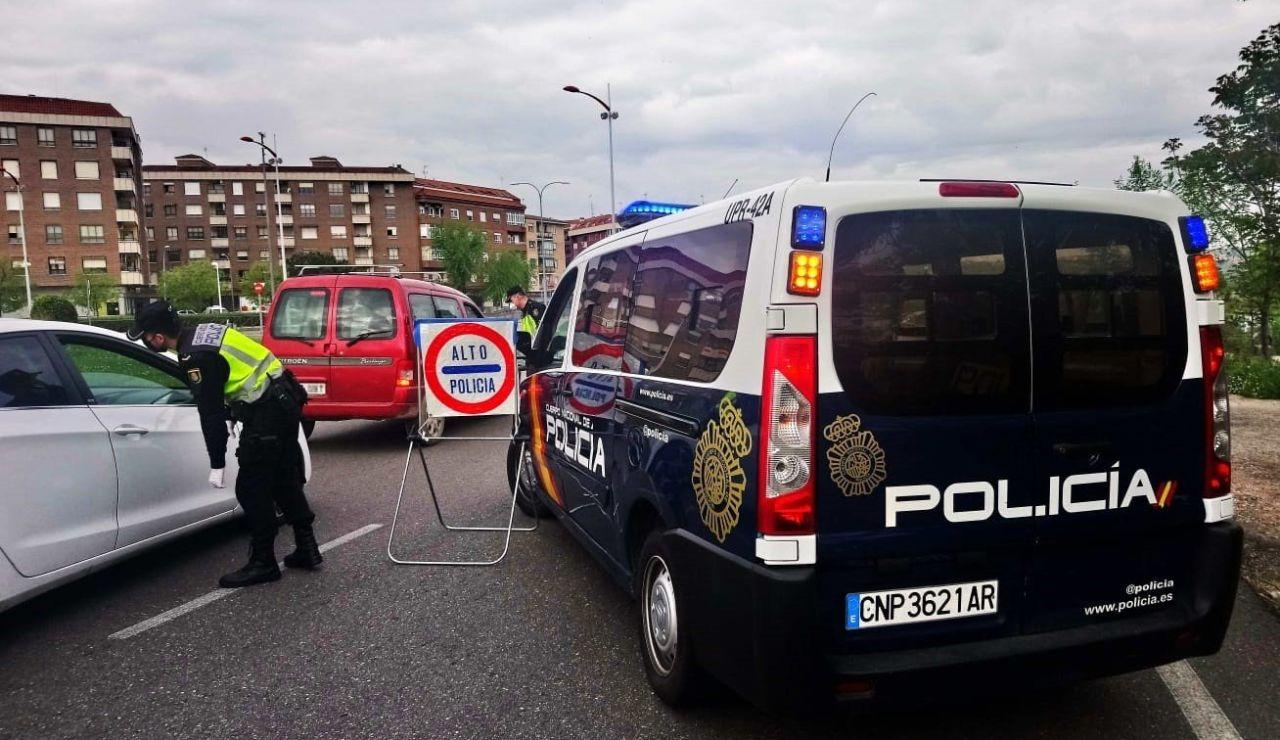 Uno de los controles de movilidad de la Policía Nacional