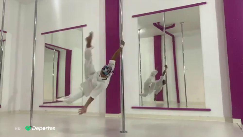 El homenaje de Nadina de Armas, campeona de España de pole dance, a los sanitarios por su lucha contra el coronavirus