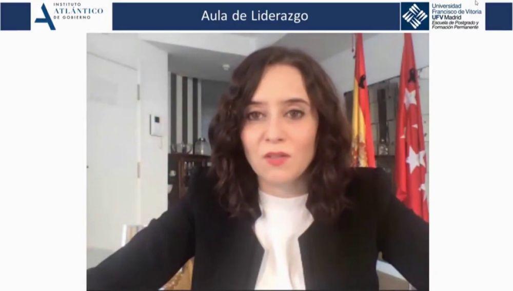 """Isabel Díaz Ayuso dice que el coronavirus """"asemeja genéticamente"""" a españoles y latinoamericanos"""