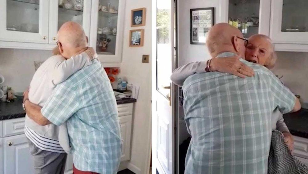 Abuelos abrazándose