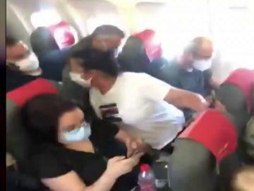 Distancia social en un avión