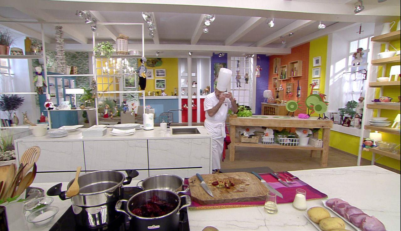 El pequeño percance de Karlos Arguiñano mientras cocinaba