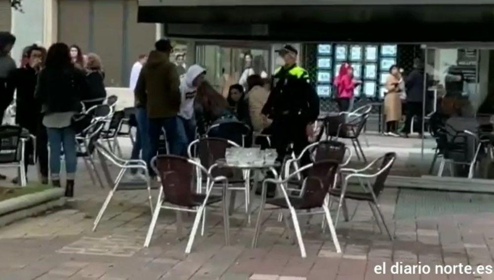 Desalojan una terraza en Vitoria
