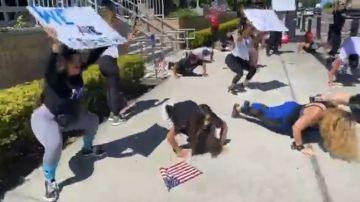 Manifestantes en EE.UU.