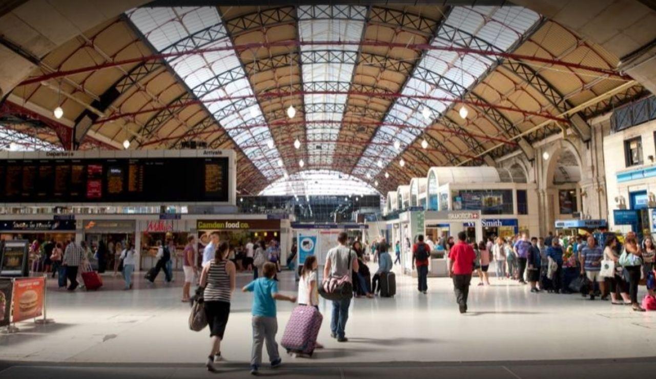 La Estación Victoria de Londres, donde trabajaba la fallecida