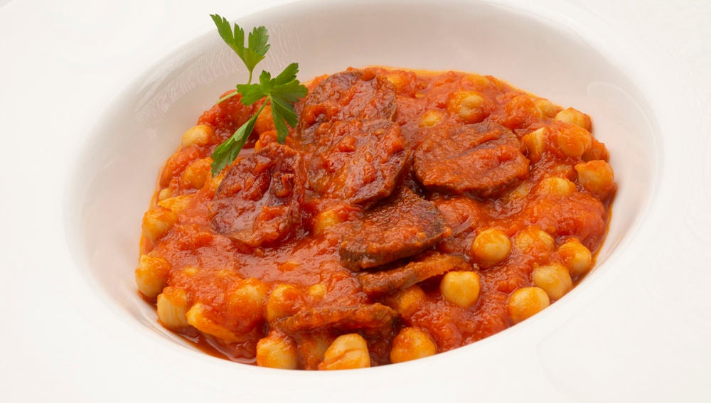 Receta de garbanzos con chorizo y tomate