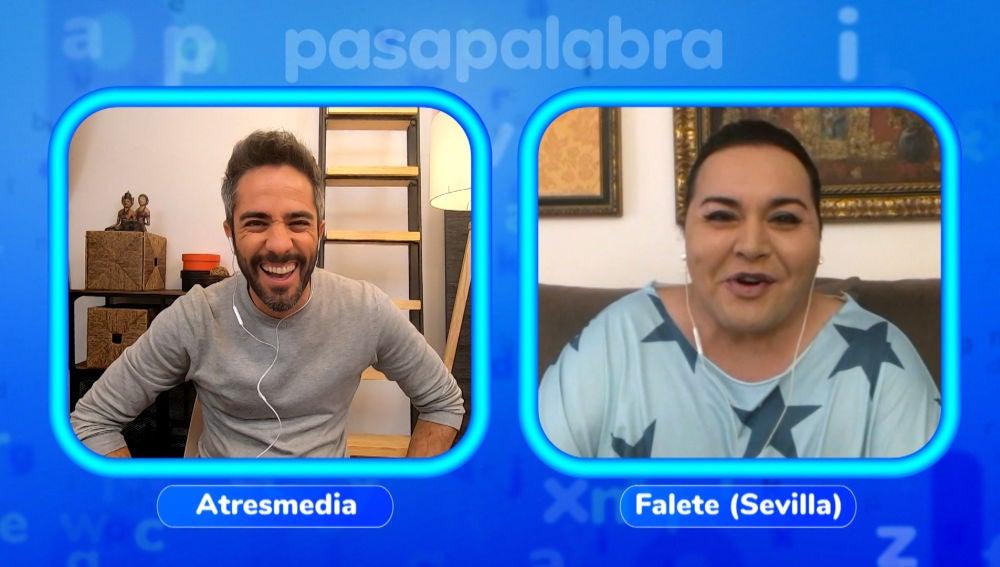 Falete y Jorge Blass interrumpen el vídeo de Roberto Leal con un bonito mensaje