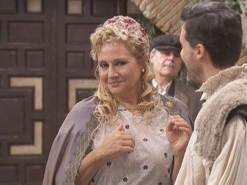 El divertido cameo de Gloria Serra con el que se convierte en vecina del pueblo