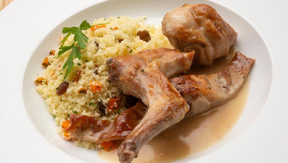 Carne de conejo al horno con cuscús de Karlos Arguiñano