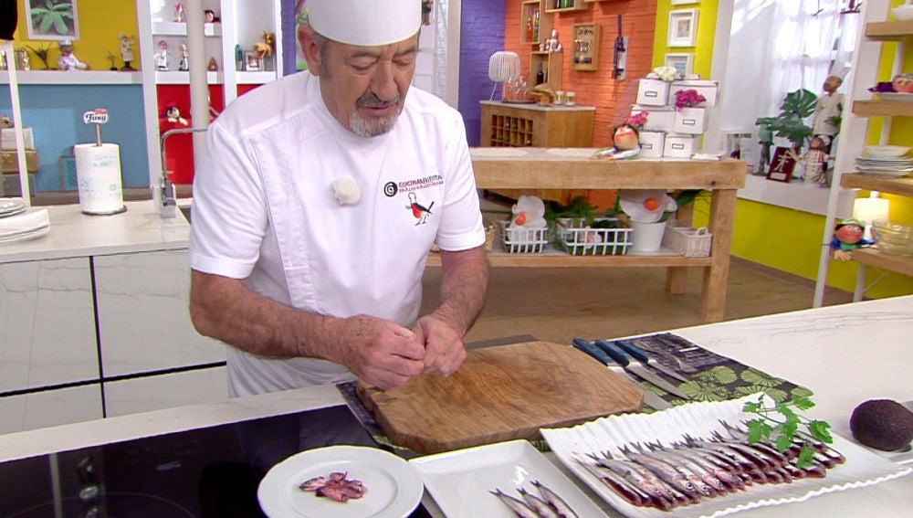 El truco definitivo de Karlos Arguiñano para limpiar las anchoas y qué hacer después