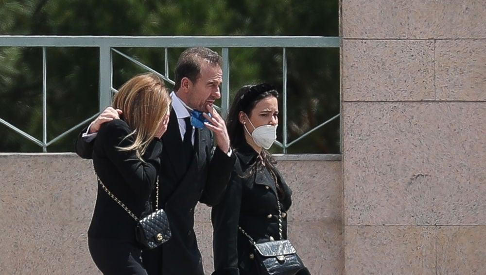 Ana Obregón, Alessandro Lequio y Carolina Monje
