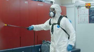 Así se desinfecta el vestuario del Barcelona en el regreso a los entrenamientos tras el coronavirus
