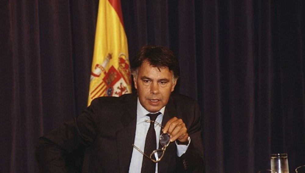 Felipe González en una rueda de prensa   1989
