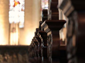 Bancada de una iglesia