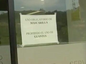 Prohíben el uso de guantes en el hospital de Vigo