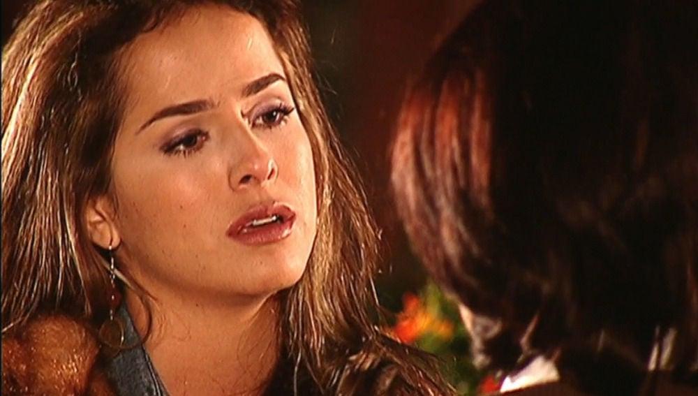 Danna García como Norma Elizondo en 'Pasión de Gavilanes¡