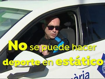 Los Mossos avisan a los deportistas de la Barceloneta
