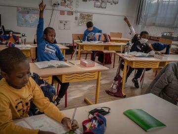 Una escuela de Francia reabre tras el coronavirus