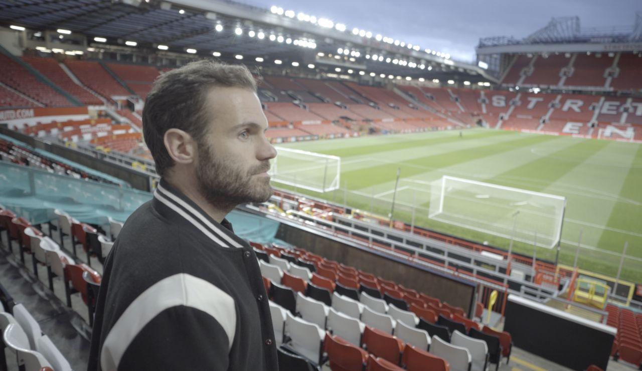 Juan Mata, en la grada de Old Trafford