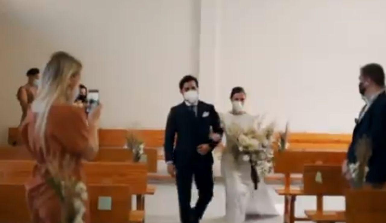 Así son las bodas en tiempos de coronavirus: sin besos, sin abrazos y con mascarillas