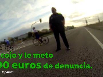 """Polémica entre unos ciclistas y un policía equivocado: """"Le meto 600 euros, lo tengo clarísimo; ahí tengo el BOE"""""""